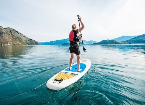 Paddle Wanaka provides beach rentals on Lake Wanaka. 